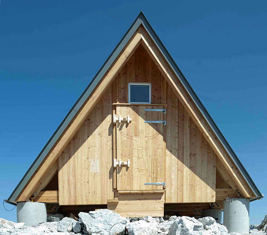 Безкоштовна ночівля в будинку на висоті 2500 метрів