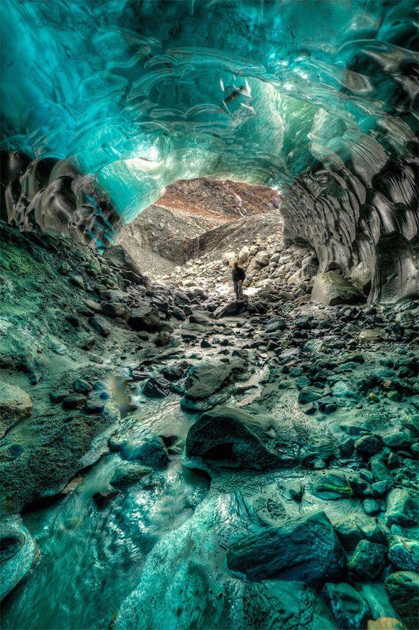 Приголомшливі крижані печери Аляски на фото Ron Gil