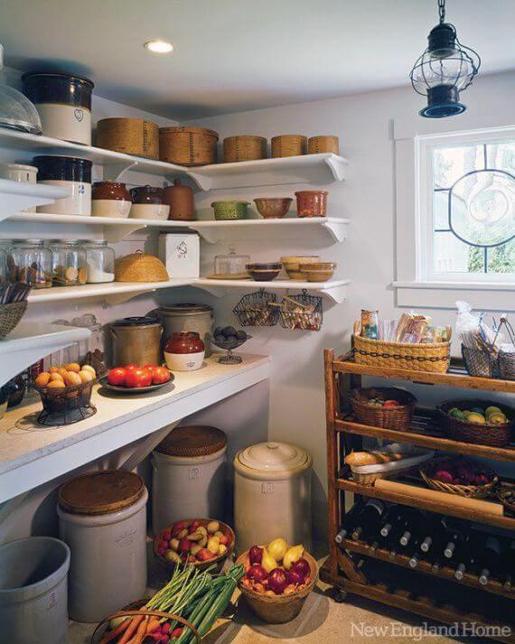 Як організувати комору для зберігання продуктів