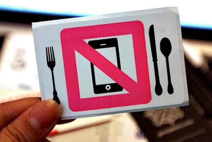 15 типових порушень ресторанного етикету