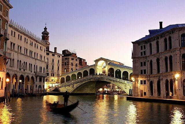 7 найбільш пам'ятних міст з мальовничими каналами