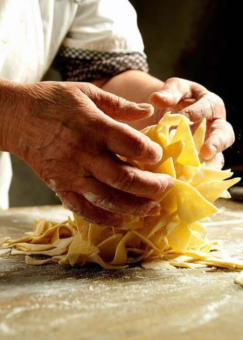 Як пожвавлюють кинуті італійські села?